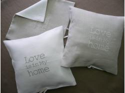 "Poszewka Lniana ""Love is in my Home"""
